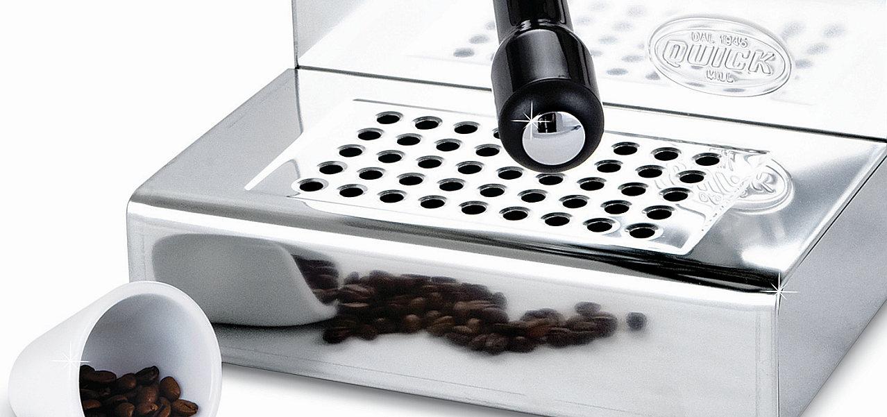QuickMill Espressomaschine, pflegeleichtes Edelstahl und bestechendes Design.